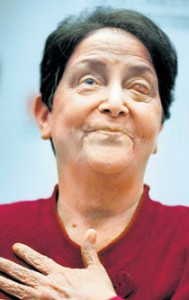Kay Thornton became the first US patient to have her vision restored with the help of a tooth transplanted in her eye.