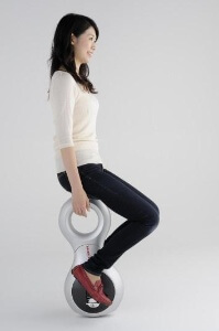 Honda seriously made a motorized unicycle? Seriously.