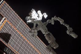 dextre-robot-space