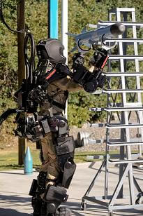 exoskeleton-raytheon-xos-lifting