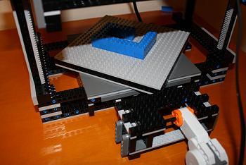 maker-lego-bot-rotating-base