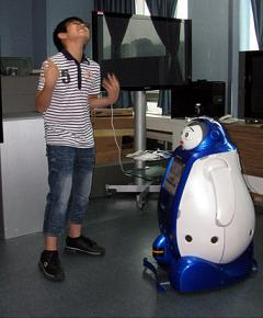 korean-robot-teachers-engkey