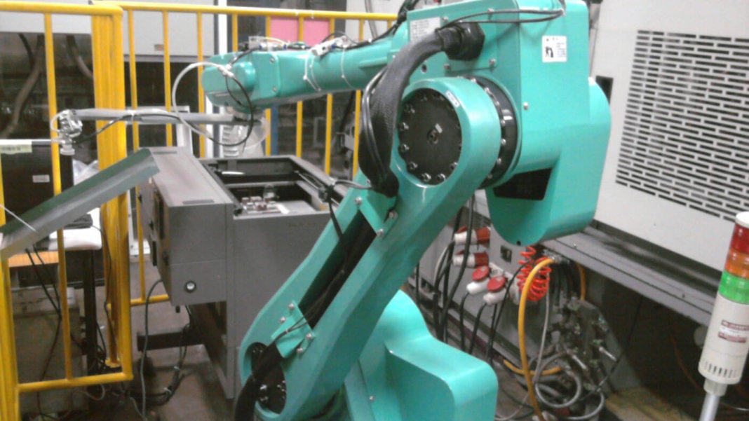 Foxconn-1-million-robots-replace-human-jobs