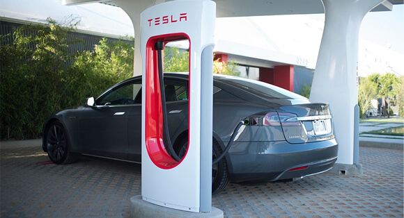 Tesla_Supercharger_Station (1)