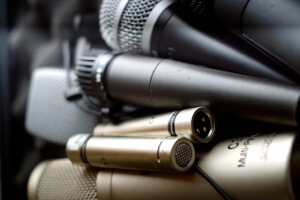 Microphones_Listening_In (1)