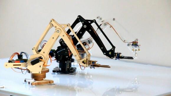uArm, A Mini Robotic Arm You Can Assemble and Control