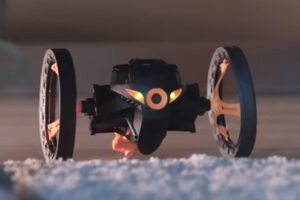 Parrot Jumping Sumo.