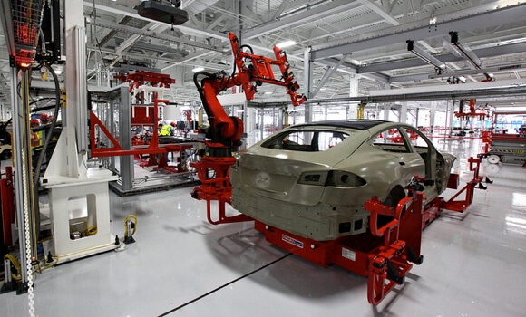 tesla-assembly-line-robot