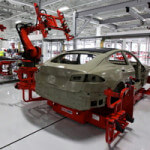 tesla-assembly-line-robot 1