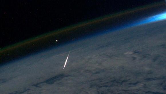 perseid-meteor-earth-orbit