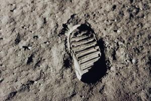 moon-or-mars-3