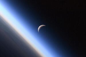 moon-or-mars-5