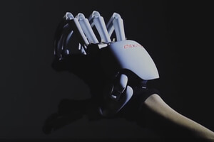 exoskeleton-glove-touch-virtual-world-32