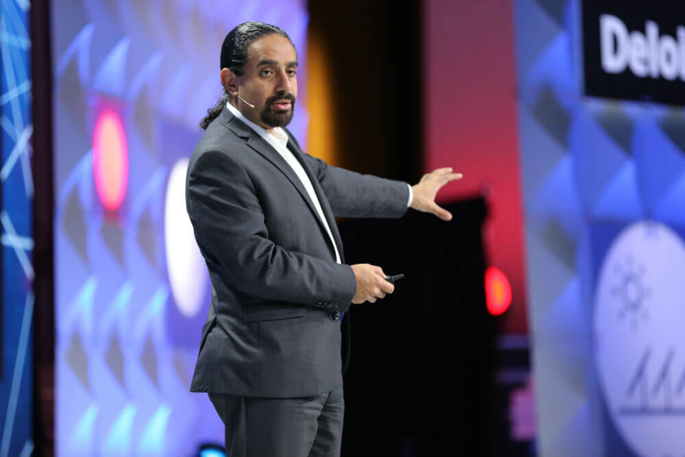 Ramez-Naam-presenting-Singularity-University-Exponential-Manufacturing-2017