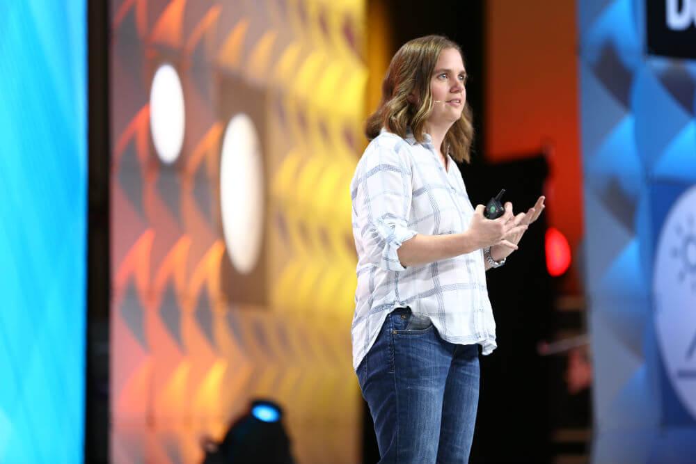 Sarah-Bergbreiter-presenting-Singularity-University-Exponential-Manufacturing-2017