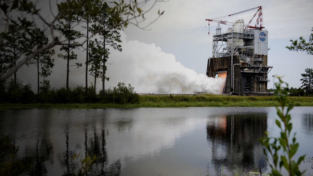 NASA-rs-25-test-flight-controller-space-rocket