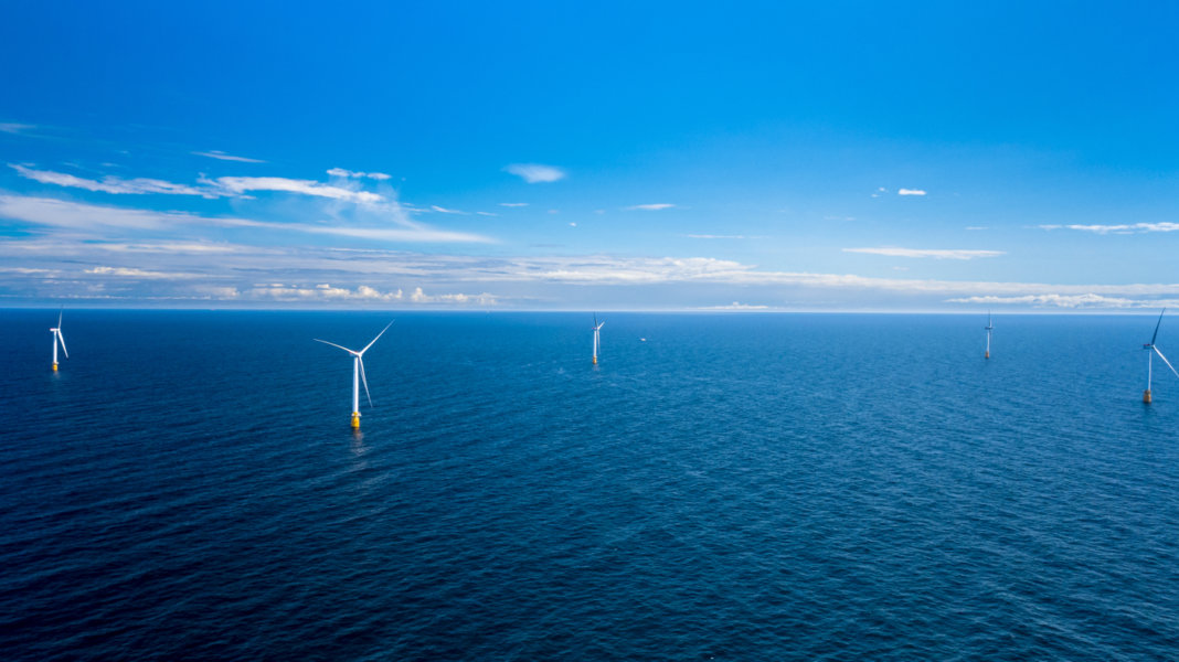 ocean-wind-farm-renewable-energy-Statoil-Hywind-power-plant