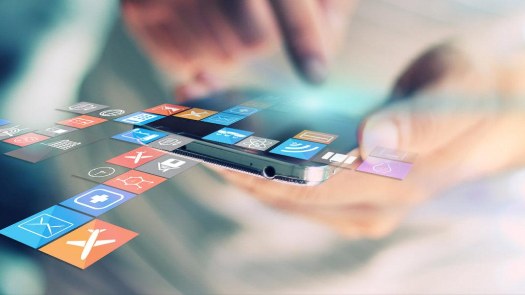 smartphone-social-media