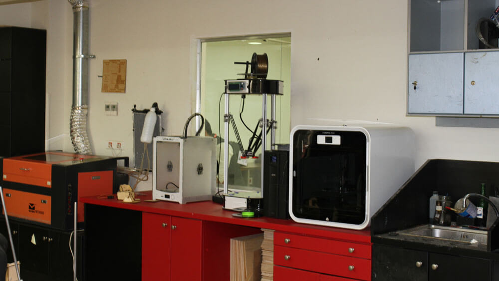 Fab-Lab-Cairo-Makerspace-FLiNC-3D-printers