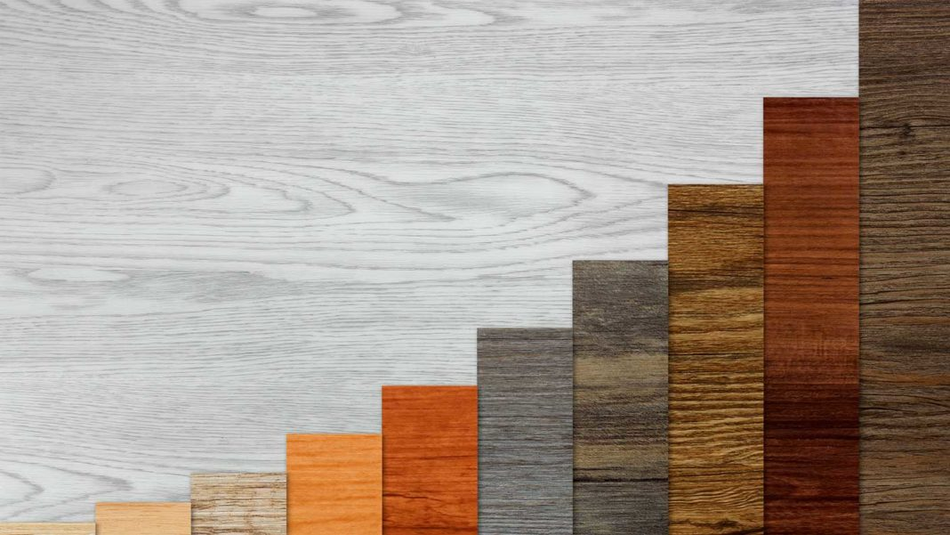 exponential-growth-bar-graph-wood-texture
