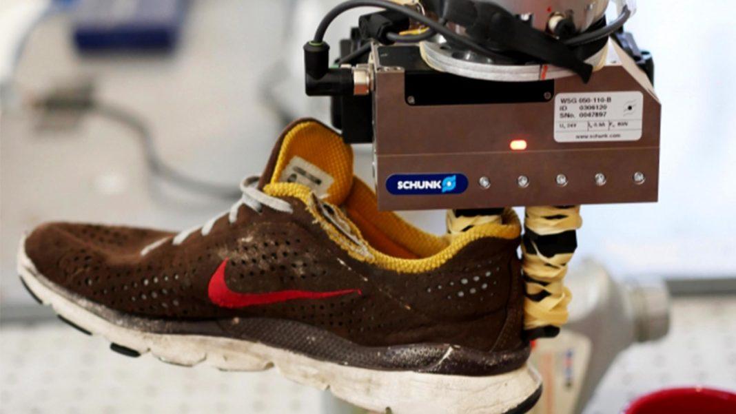 MIT CSAIL DON robot grasping shoe