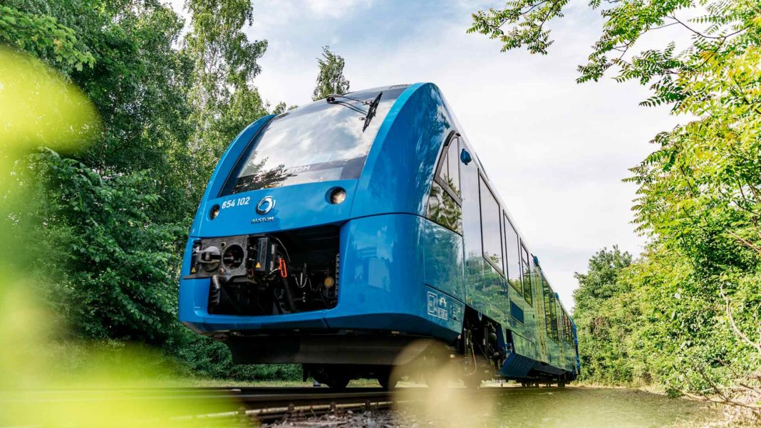hydrogen powered commuter train Coradia iLint 2018