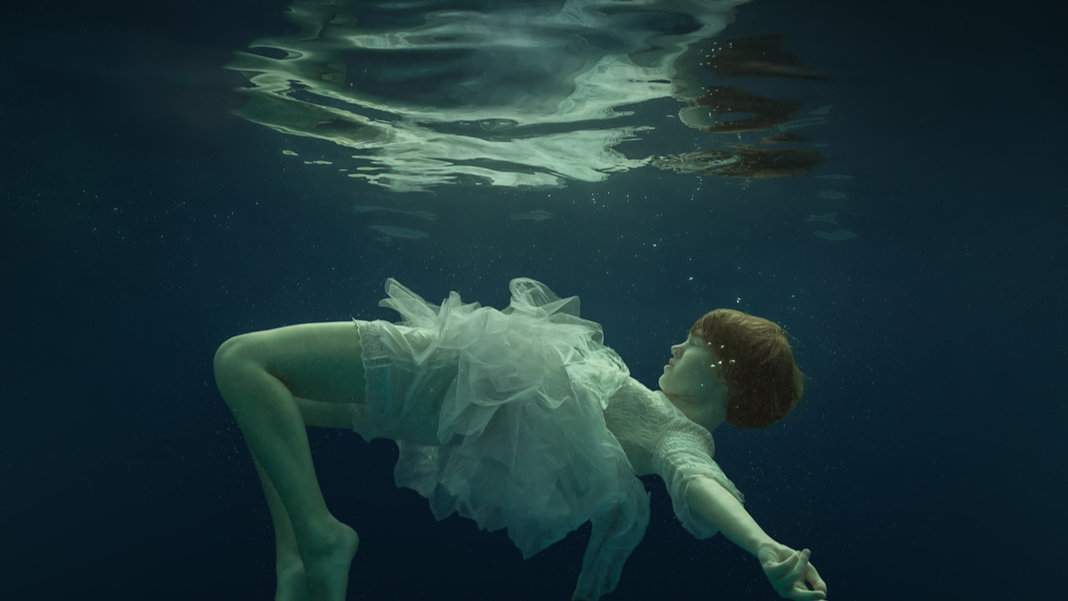 girl under water neuroscience psychedelics