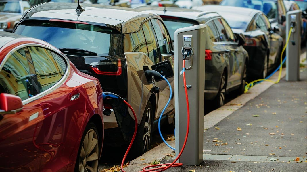 electric cars street charging future of energy