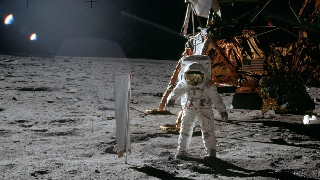 NASA moon space Apollo Artemis