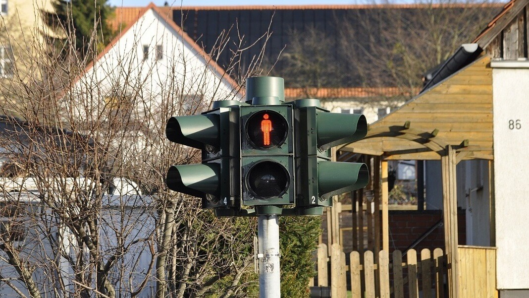 self driving cars traffic light