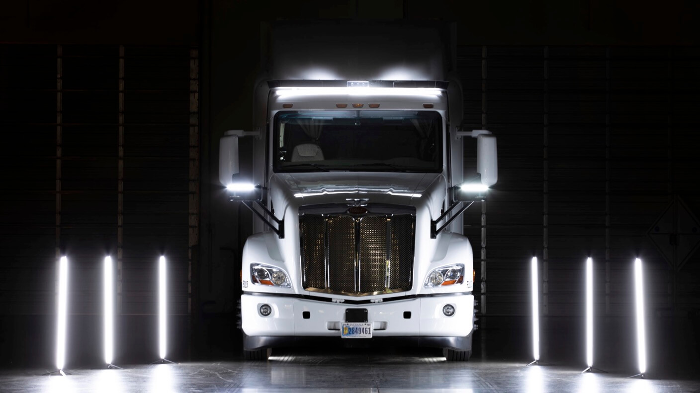 singularityhub.com - TuSimple's Robot Big Rigs Will Automate Freight Coast to Coast