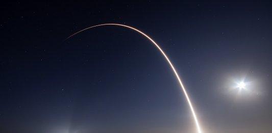intercontinental passenger spaceships SpaceX rocket launch