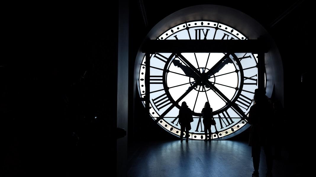 aging longevity clock silhouette lifespan