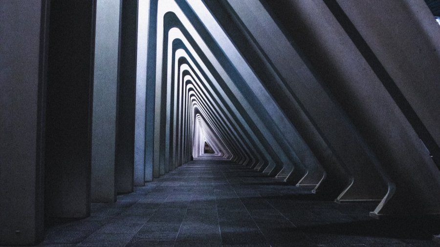 tech stories triangles vanishing point