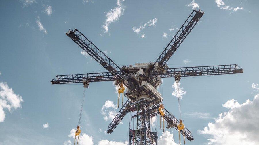energy vault renewables storage solar wind grid crane